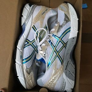 ONLY WORN ONCE ASICS running shoes